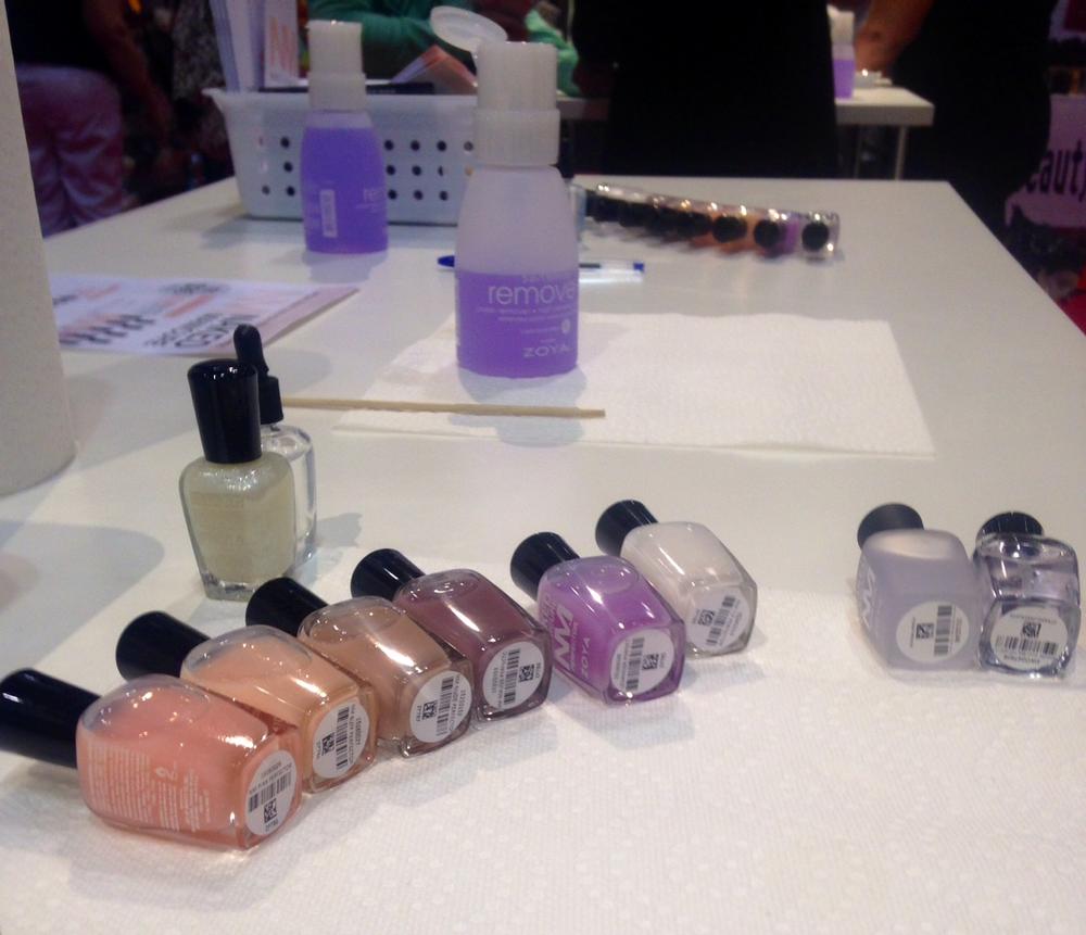 <p>Zoya's new Naked Manicure demo</p>