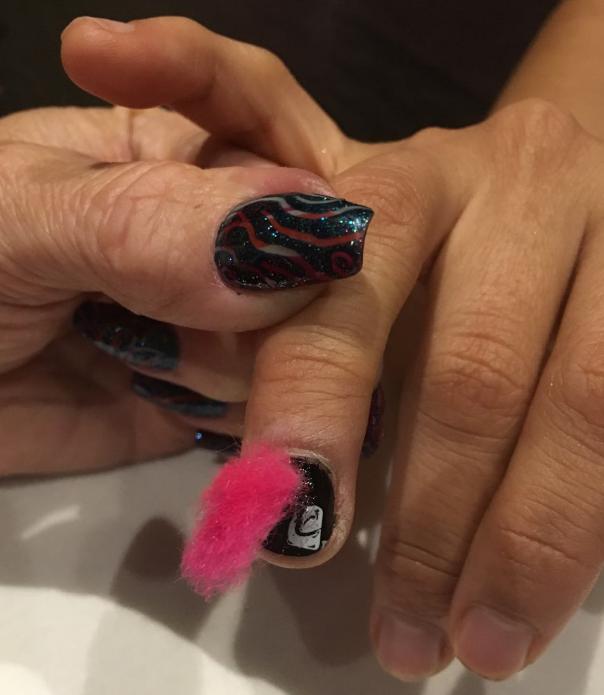 <p>Fauxhawk nails @cndworld</p>