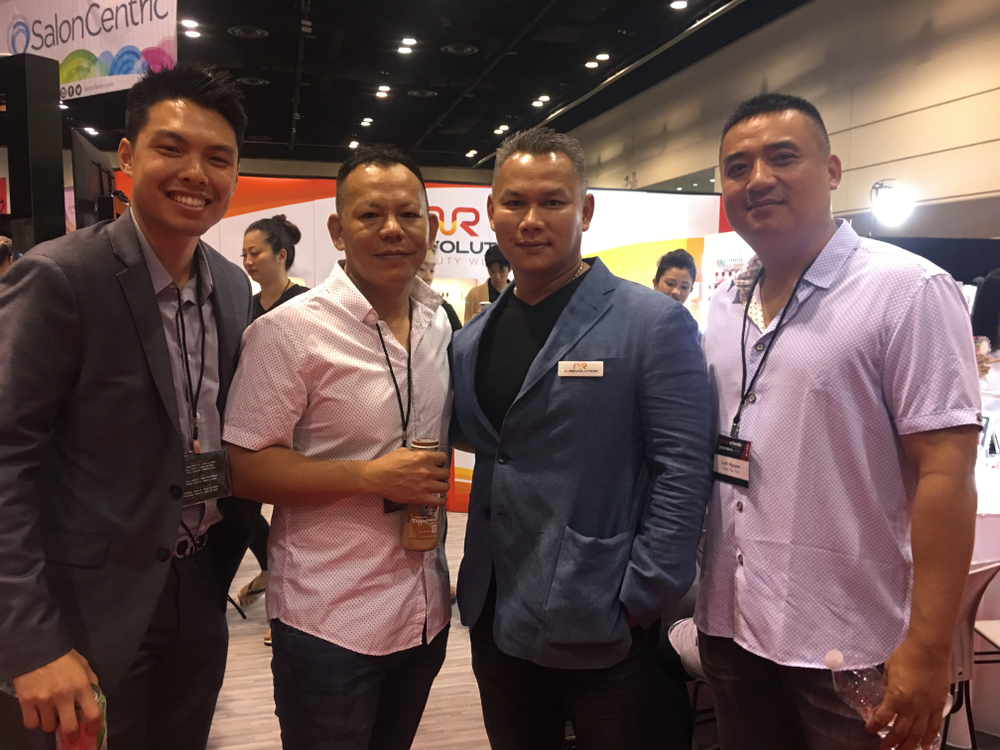 <p>Lee Nails Supply owner Tom Lee meet up withNuRevolution team</p>