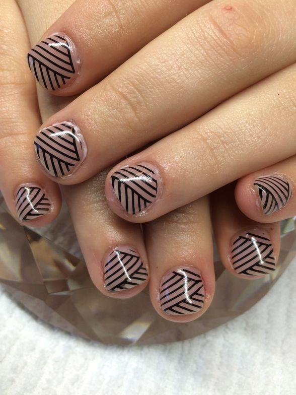 <p>Michelle Bouma, Splendid Nail Creations, Ponoka, Alberta, Canada&nbsp;</p>