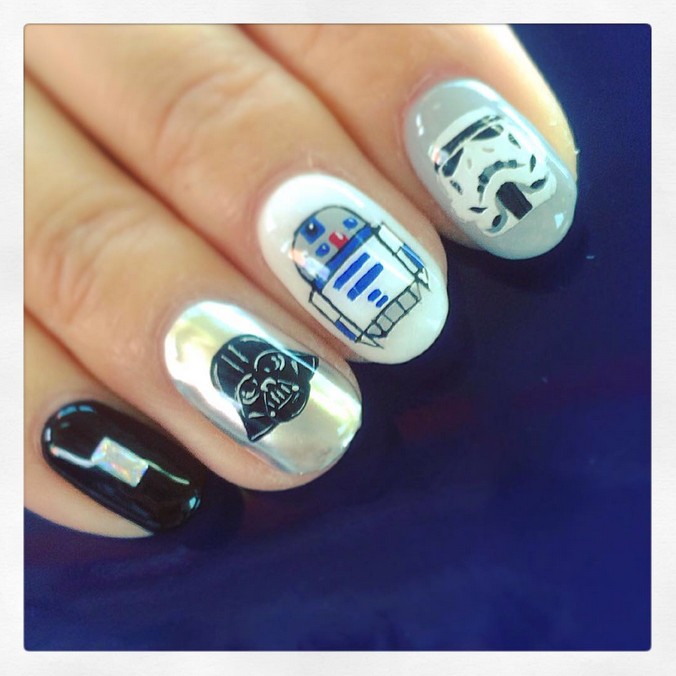 "<p>Darth Vader, R2D2, Stormtrooper nails by <a href=""https://instagram.com/fushiginakao"">Nakao Fushigi</a></p>"