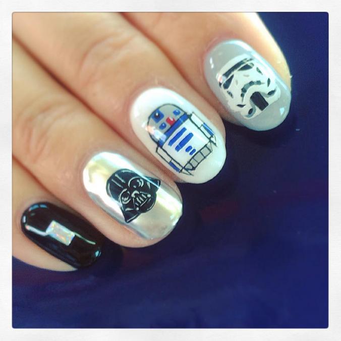 "<p>Darth Vader, R2D2, Stormtrooper nails by <a href=""https://instagram.com/fushiginakao"">Nakao Fushigi</a></p>"