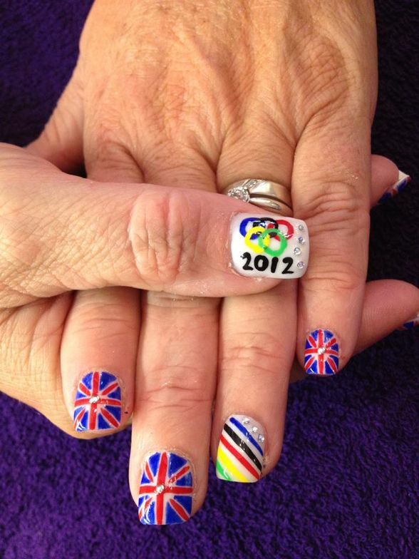 <p>Rachel Shuttleworth is a nail tech at Betty-rose Beauty Botique in Nelson, United Kingdom.</p>