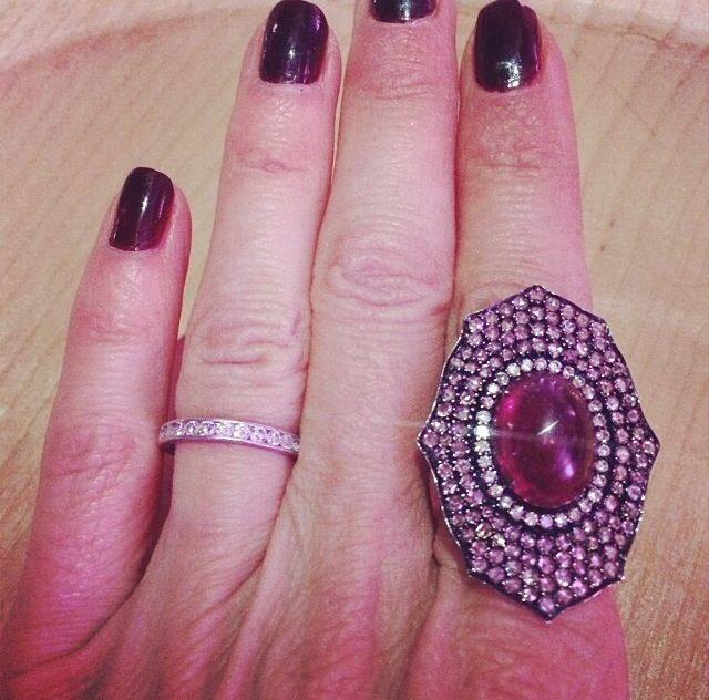 <p>Lisa Rinna shows off her Orly manicure. Image via @lisarinna.</p>