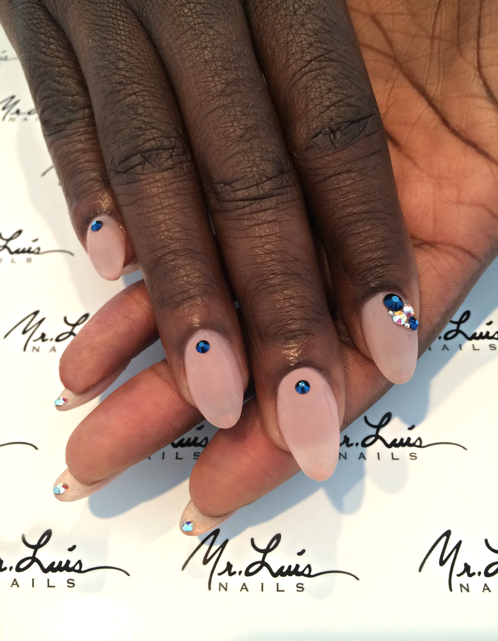 <p>Maybe the most decadent manicure at the SAGs, Danielle Brooks of Orange is the New Black tried an underside mani courtesy of Mr. Luis. Image courtesy of @mrluisnails.&nbsp;</p>