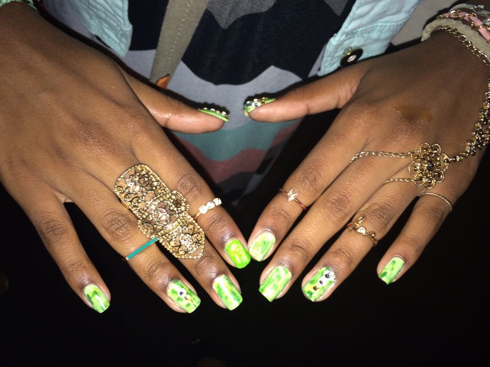 <p>Polished Girlz founder Alanna Wall, shares her nail art for the show.</p>