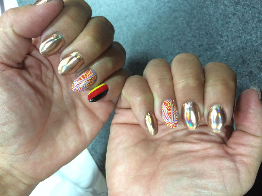 <p>Minx's Janice Jordan roots for Germany via nail art.</p>