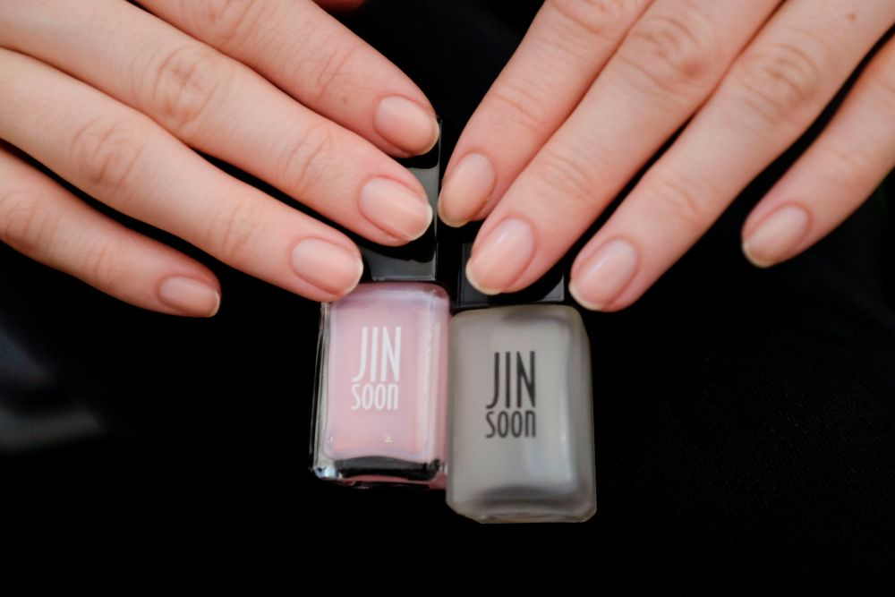 <p>Jin Soon Choi used Pink Shade (not released yet) and Matte Maker for Coach</p>