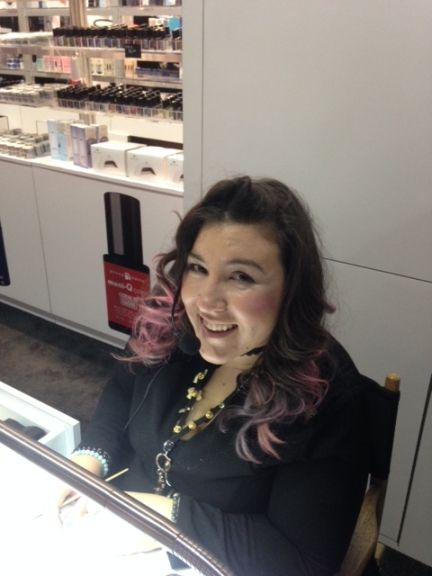 <p>Sabella Snyder of Young Nails uses Kaleidascope gel-paint for line work.</p>
