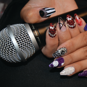 Behind the Nails: Selena