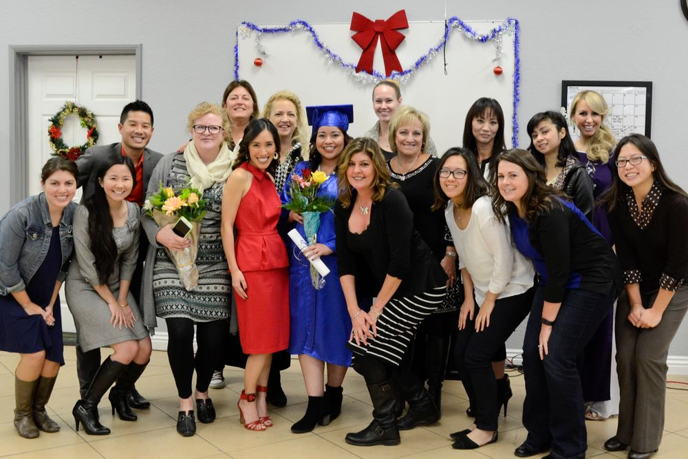<p>New graduate Sigourney Nu&ntilde;ez and the NAILS, VietSALON, and ABC team.</p>