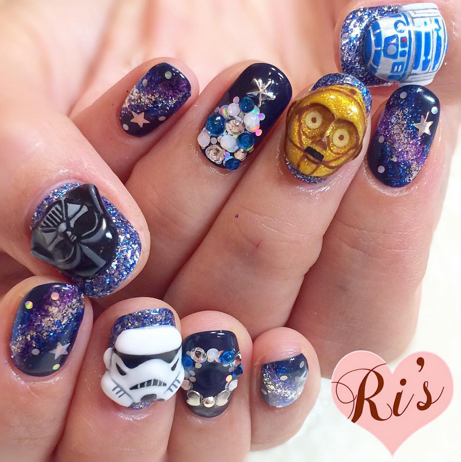 """<p>3-D Star Wars nails by <a href=""""https://www.instagram.com/ris_room311""""><span id=""""result_box"""" class="""""""" lang=""""en""""><span class=""""hps"""">Risa</span> <span class=""""hps"""">Sangenjaya</span></span></a></p>"""