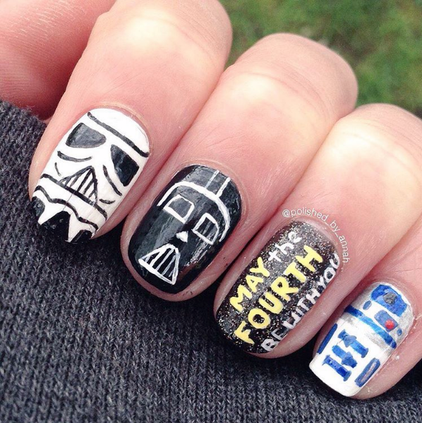 "<p>Stormtrooper, Darth Vader, and R2D2 nail art by <a href=""https://www.instagram.com/polished_by_annah"">@polished_by_annah</a></p>"