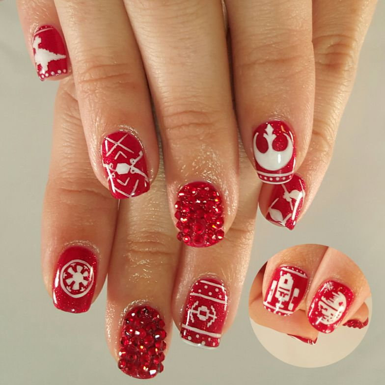 "<p>Ugly Christmas Sweater Star Wars nails by <a href=""https://instagram.com/toesonthegoes"">Liza Waitzman</a>, Toes On the Goes, San Diego, Calif.</p>"