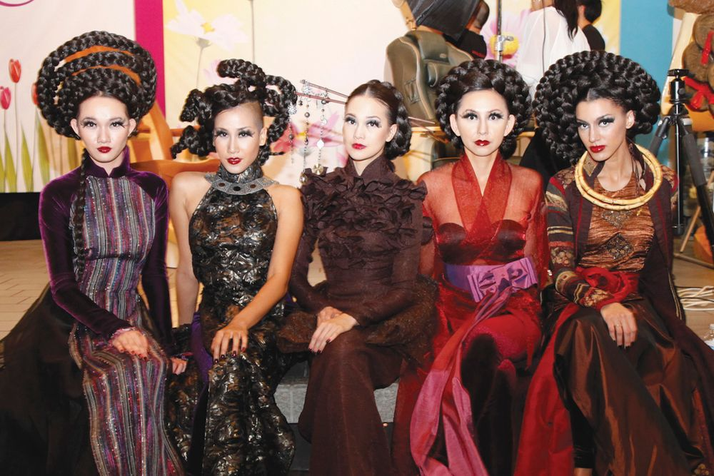 <p>Models Quynh Giao, Donna Vo, Judy Ly, Linda Trinh, and Kendra Chantelle modeled Calvin Hiep's collection.</p>