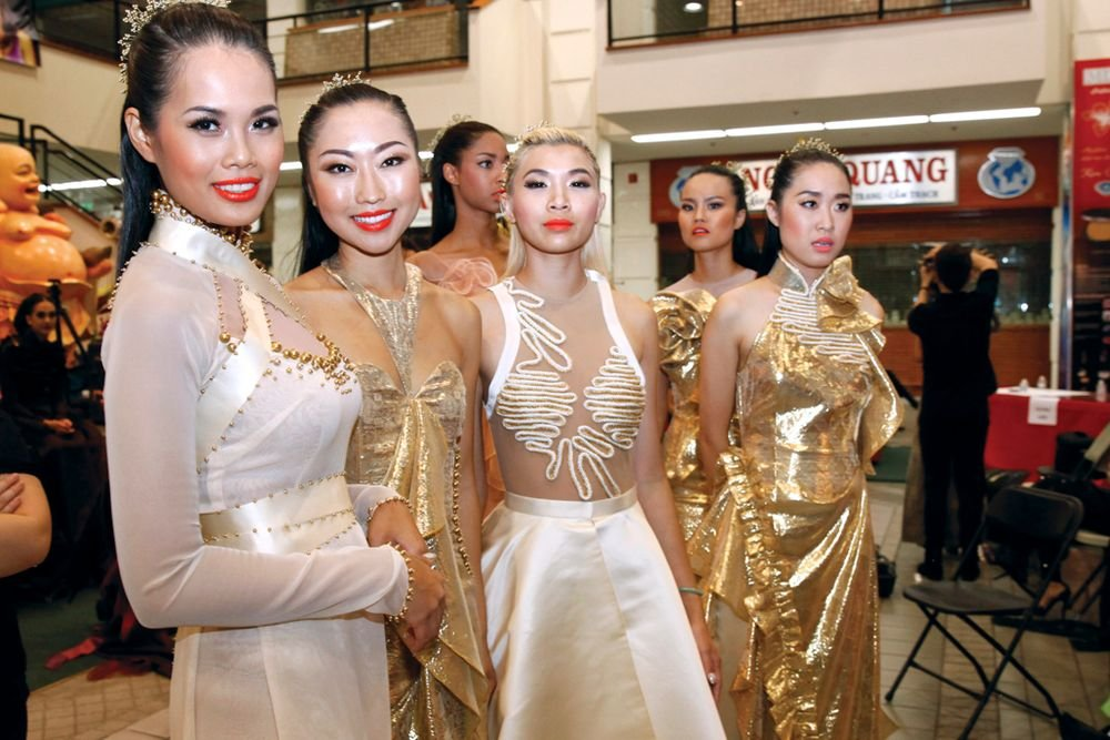 <p>Models for Thai Nguyen get ready for the runway.</p>