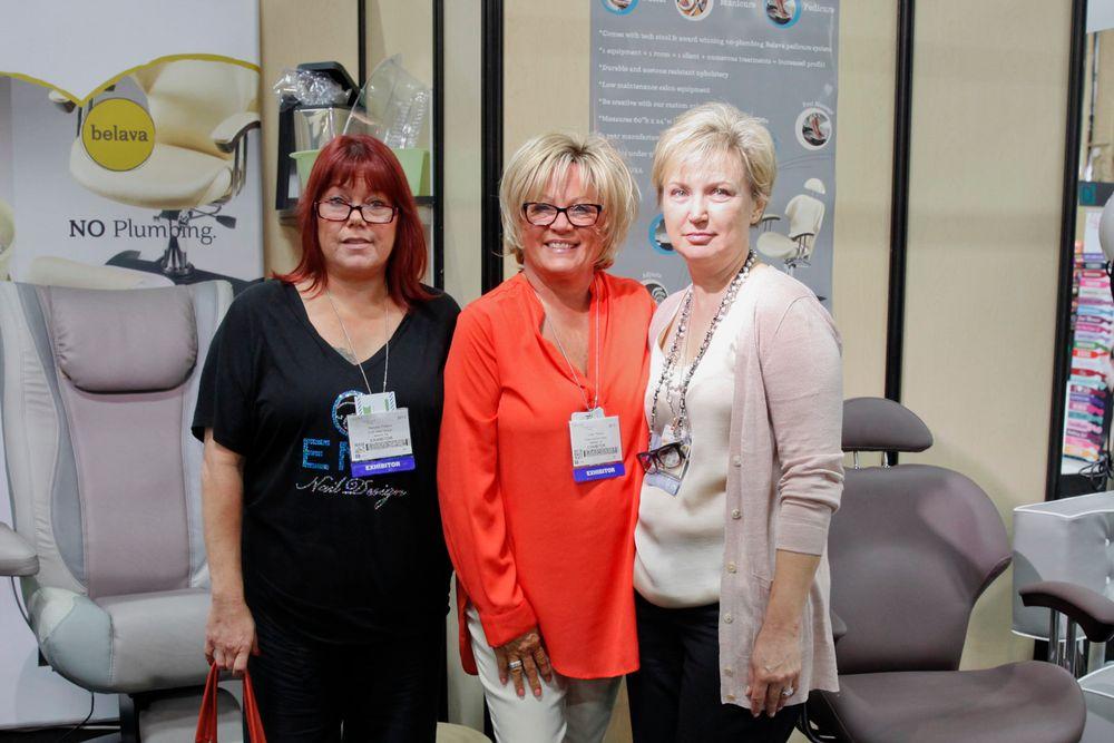 <p>Natalie Peters, Vicki, and Belava&rsquo;s Natalie Zolotnik</p>