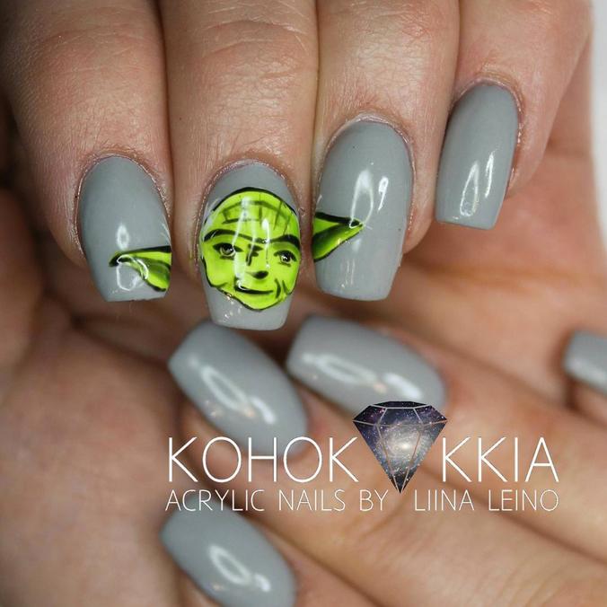 "<p>Yoda nails by <a href=""https://instagram.com/kohokukkia"">Liina Leino</a>, Helsinki, Finland</p>"