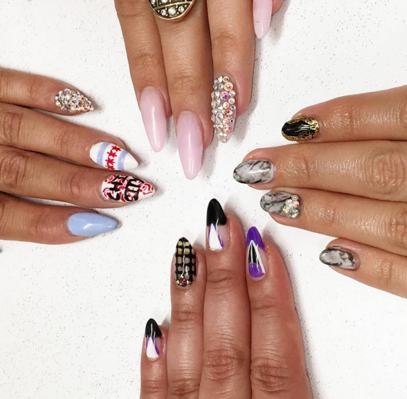 <p>Nailfie from Chicago's Jewels, a Nail Box nail studio&nbsp;</p>