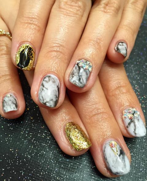 <p>Nails by&nbsp;Ellegra Davis for NAILS' senior editor Beth&nbsp;</p>