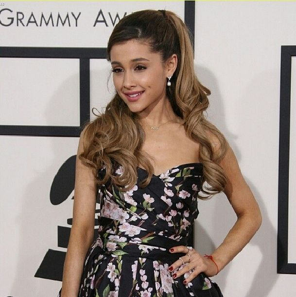 <p>Ariana Grande rocked Spa Ritual's Spread Your Wings at the Grammys. Image via @kimmiekyees.</p>