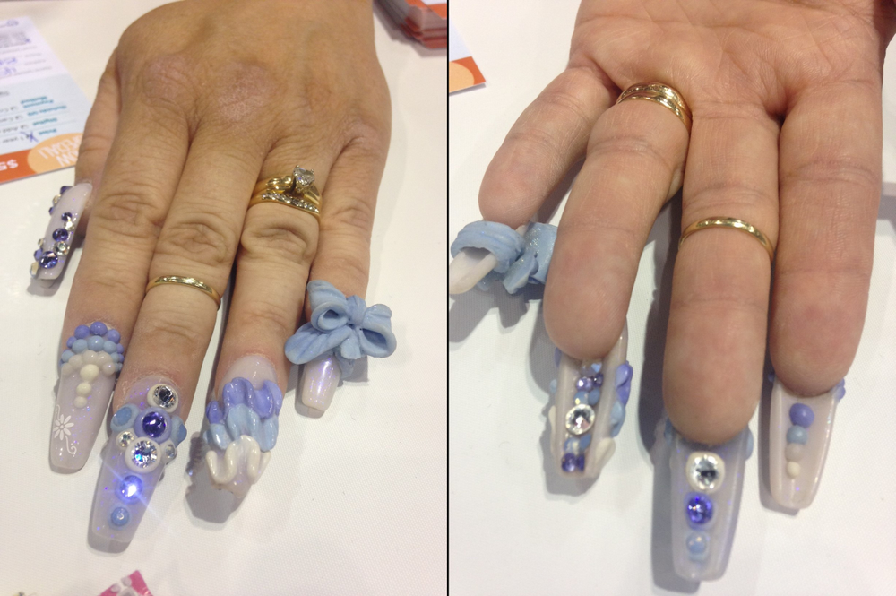 <p>Kimberly Harr's awesome manicure</p>