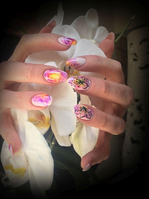 <p>Nails by Franzelle De Villiers</p>