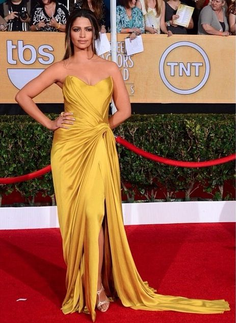 <p>Camila Alves shined bright in Essie's Nothing Else Metals and Hors d'Oeuvres. Image via @essiepolish.</p>