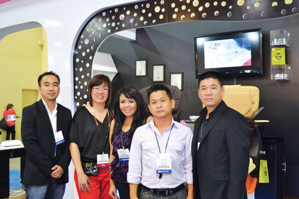 <p>Alfalfa Nail Supply&rsquo;s full team was there at the show, from left to right Kevin Nguyen, Angie Lim, Kathy Phan, Hien Ton, and Dat Ton.</p>