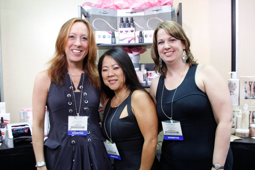 <p>Entity Beauty's Vickie Heller, Dee Nguyen, and Jamie Steily</p>