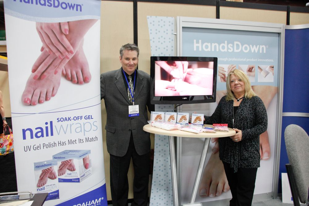 <p>Graham Professional's Dave Albers and Debbie Schlise promoted their new soak-off gel nail wraps.</p>