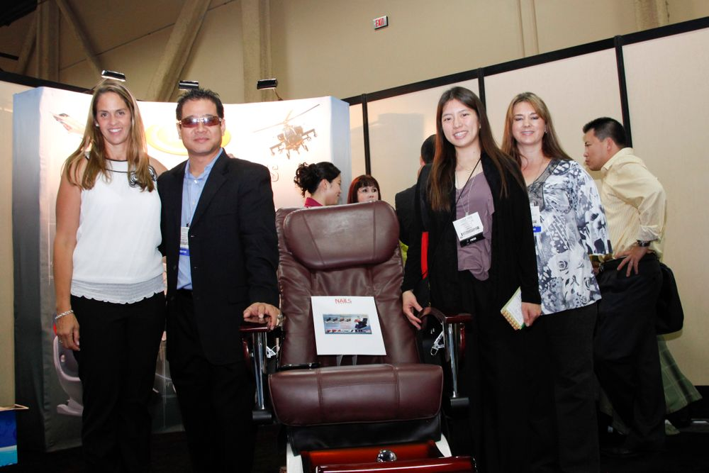 <p>Mary Baughman with Luraco's Tom Le, VietSALON associate editor Kim Pham, and Luraco's Patty Ladebell.</p>