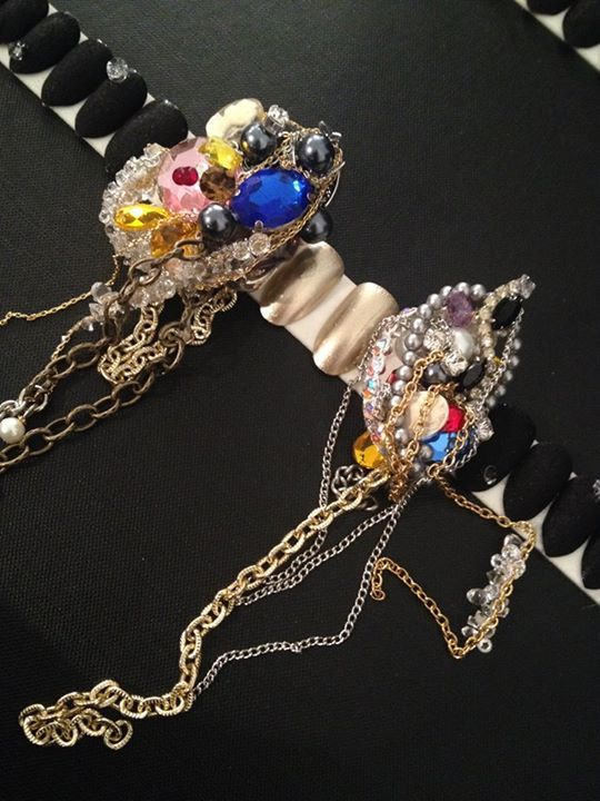 """<p>CND Pros created and embellished these """"Jewel Thief"""" inspired mini-masterpiece nail accessories, using chains, pearls, and vintage gems. (Image via <a href=""""https://www.facebook.com/CNDworldfan"""" target=""""_blank"""">CND's Facebook</a> page)</p>"""