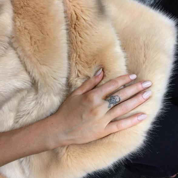 "<p>Ellie Golding in an opaque blush for the Grammys. Image via <a href=""https://www.instagram.com/deborahlippmann/"" target=""_blank"">@deborahlippmann</a></p>"