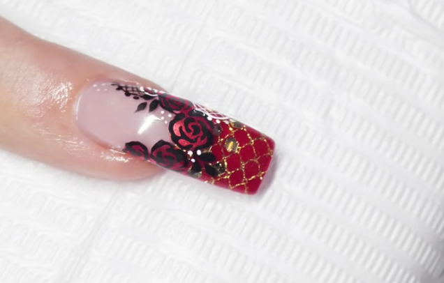 Red Roses, Rouge Attitude Nail Art