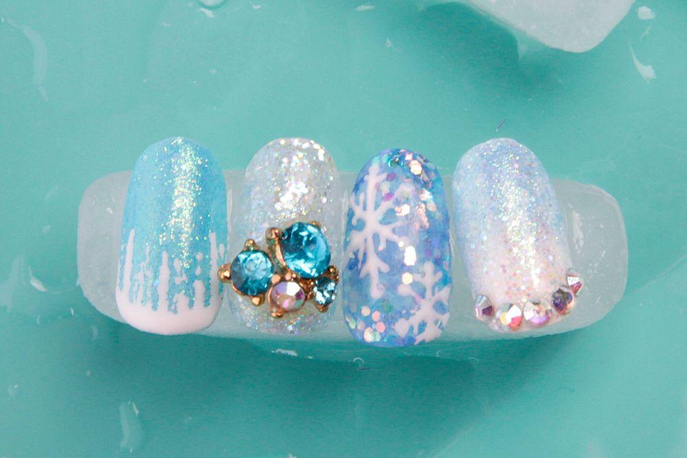 <p>Nails by Ceic Gomez.&nbsp;</p>