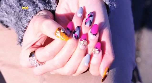 Hand Positions for Your Nail Art Photos