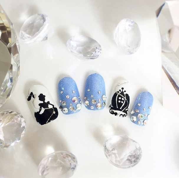 <p>Honorable mention for flat art in Gelish &amp; Morgan Taylor's Mani at Midnight Contest: @hello.bombshell.2202</p>