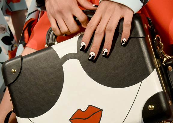 <p>KISS for Alice + Olivia. Lead manicurist: Miss Pop</p>