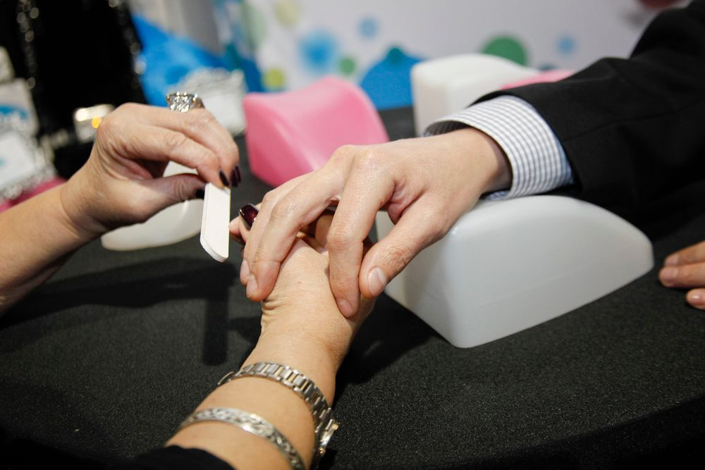 <p>Mother and son team Theresa and Mario Cantu debuted their new ergonomic hand support, Pampered Perch.</p>