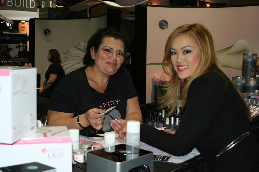 <p>Entity Beauty's Lorena Marquez and Roxanne Nguyen</p>