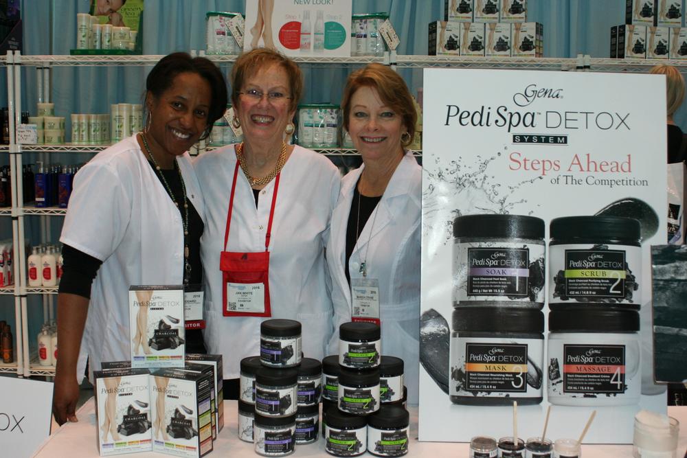<p>Gena's Kim Woodard, Jan White, and Marisa Crane</p>