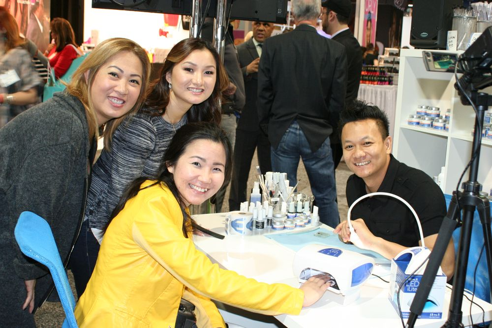 <p>Gelish's Thao Nguyen, Kupa's Ann Chang, VietSALON's Anh Tran, and AII's Tan Nguyen</p>