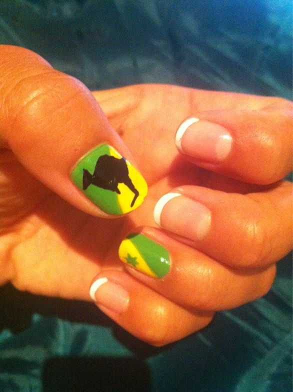 <p>Aussie slalom kayaker Jess Fox posted her green and gold kangaroo nail art on her Twitter page. Photo from Twitter.</p>