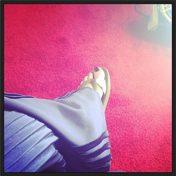 <p>Kelly Osbourne flashed her pedicure at the SAG awards (something we rarely see on the red carpet) due to the hot weather and pain her feet were in from the previous week's Golden Globes heels. Image via @kellyosbourne.</p>
