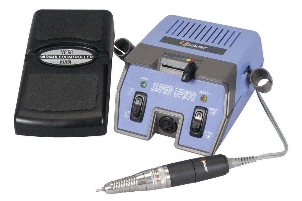 <p><strong>2004 Favorite Electric File: Kupa Super UP-200</strong></p> <p>2nd: MEdicool Nail Pro 2000 Professional Electric File; 3rd: Medicool Pro Touch 1000; 4th: Antoine de Paris Drill; 5th: Atwood Industries Z Carbides</p>