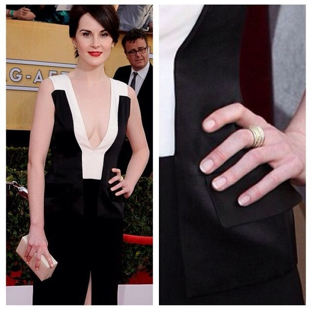 <p>Aviles also applied Essie Ballet Slippers and Mademoiselle to Michelle Dockery's nails for the SAG Awards. Image via @christinaviles.</p>
