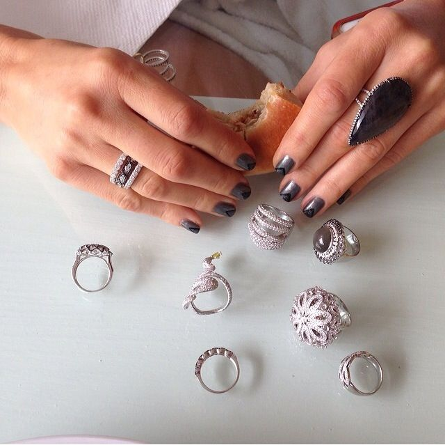 <p>Katie Jane Hughes used butter LONDON Union Jack Black and Pearly Queen for a black pearl effect on Maria Menounos' nails.The chevrons were created with Gobsmacked and outlined with Union Jack Black. Image via @mariamenounos.</p>