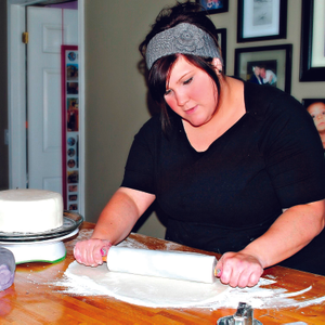 My Other Life: Leah Holst, Cake Decorator