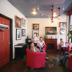 Davis, Calif., Salon Combines Nails  and Photography
